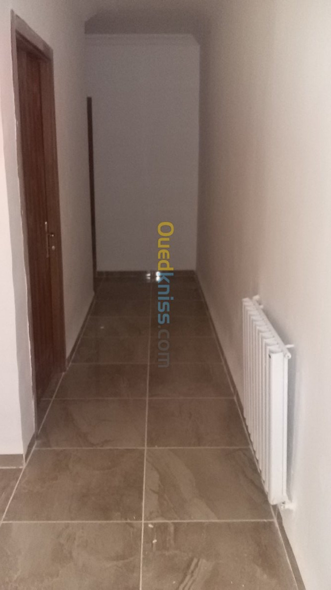 Location Appartement F4 LPP Tipaza Kolea
